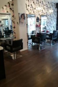 hair-salon-in-salford